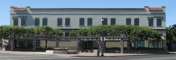 Commercial for lease in Downtown Pittsburg, CA